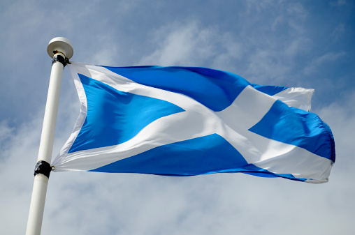 Saturated Color「Scottish Flag in Wind」:スマホ壁紙(17)