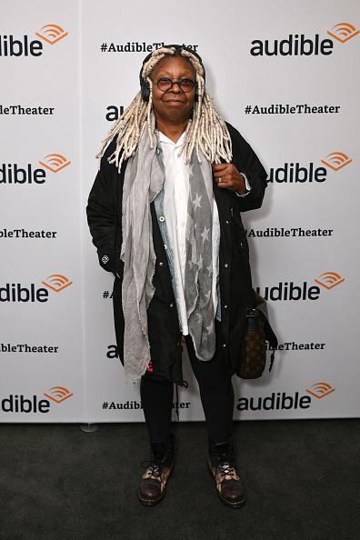 Whoopi Goldberg「Audible Celebrates Common At Minetta Lane Theatre In NYC - January 10」:写真・画像(8)[壁紙.com]