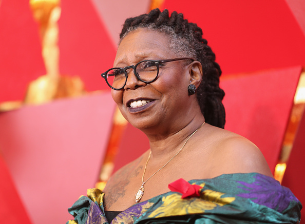 Whoopi Goldberg「90th Annual Academy Awards - Red Carpet」:写真・画像(15)[壁紙.com]