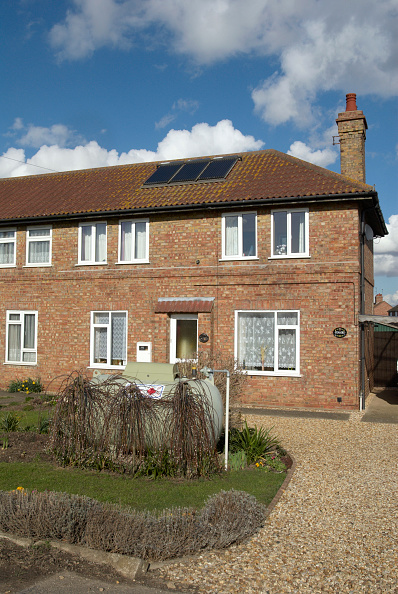 The Way Forward「Semi-detached home with solar panels and oil heating, Norfolk, UK」:写真・画像(14)[壁紙.com]