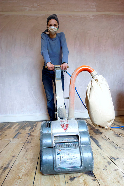 Finance and Economy「Sanding floor boards with an electric sander」:写真・画像(11)[壁紙.com]
