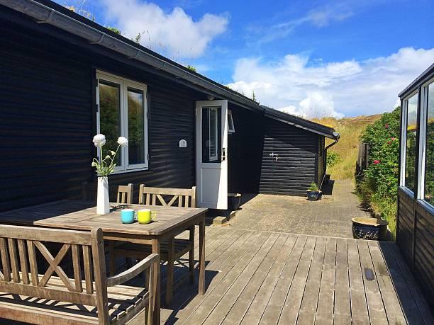 Summerhouse terrace with table and chairs, Fanoe, Denmark:スマホ壁紙(壁紙.com)