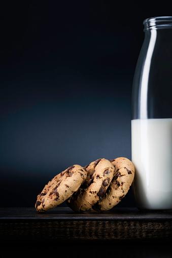 Biscuit「Biscuits - Milk - Cookies」:スマホ壁紙(7)