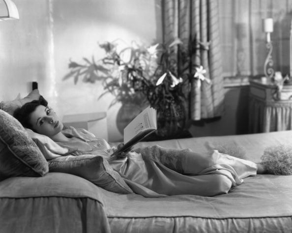 Actress「Lounging Leigh」:写真・画像(17)[壁紙.com]