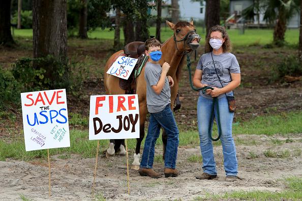 Sam Greenwood「Rally To Save The Post Office - Middleburg, FL」:写真・画像(2)[壁紙.com]