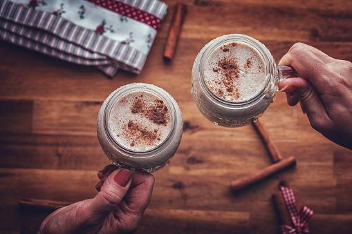 チョコレート「クリスマスに自家製のエッグノッグ」:スマホ壁紙(15)