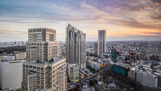 Rooftop「High rise buildings at sunset in Shinjuku, Tokyo, Japan.」:スマホ壁紙(12)