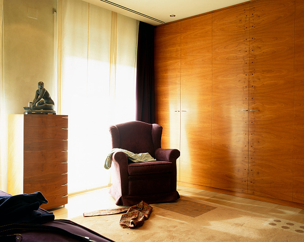 Finance and Economy「View of a fauteuil placed next to an armoire」:写真・画像(11)[壁紙.com]