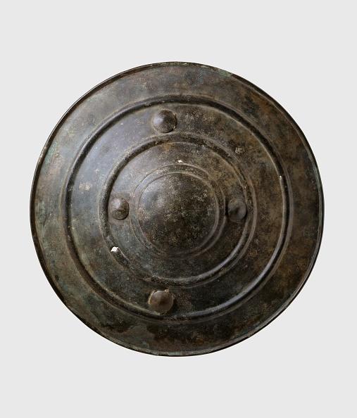 White Background「Bronze Shield (Wittenham Shield)」:写真・画像(14)[壁紙.com]