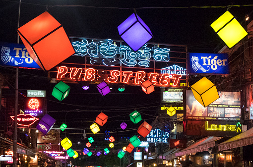 ネオン「Night life Siem Reap Cambodia」:スマホ壁紙(19)