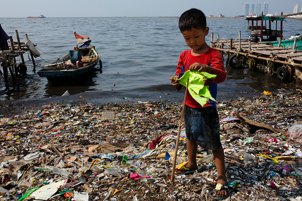 Social Issues「Indonesia Battles With Plastic Pollution」:写真・画像(6)[壁紙.com]