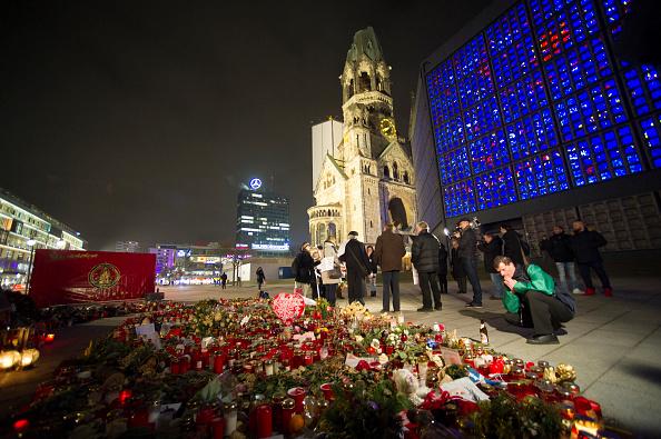 Christmas Market「Berlin Commemorates December Terror Attack」:写真・画像(9)[壁紙.com]