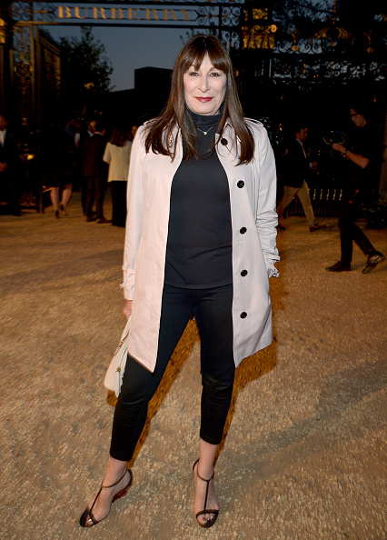 "Anjelica Huston「Burberry ""London In Los Angeles"" Event - Red Carpet」:写真・画像(8)[壁紙.com]"