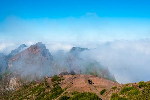 Pico Do Arieiro「in the clouds - mountain Pico do Arieiro Madeira」:スマホ壁紙(3)