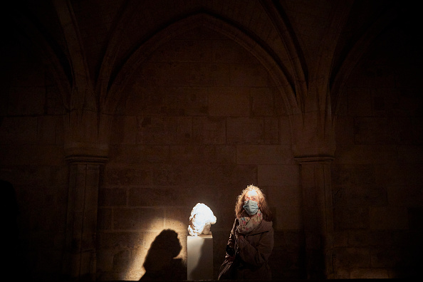 "Alabaster「""Nuit Blanche"" 2020 In Paris」:写真・画像(0)[壁紙.com]"