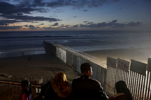 Baja California Peninsula「Border Wall On US Mexico Border Continues To Be Sticking Point Driving Government Shutdown Into Its Third Week」:写真・画像(0)[壁紙.com]