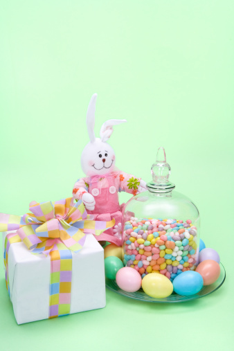 Easter Bunny「Bunny and Easter Eggs, Jelly Beans and an Easter g」:スマホ壁紙(7)