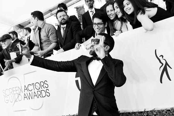 T 「25th Annual Screen Actors Guild Awards - Red Carpet」:写真・画像(15)[壁紙.com]