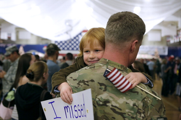 アメリカ合衆国「Soldiers From 4th Brigade Combat Team Return From Afghanistan Deployment」:写真・画像(19)[壁紙.com]