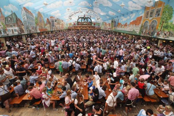 Beer Festival「Oktoberfest 2011 - Opening Day」:写真・画像(11)[壁紙.com]