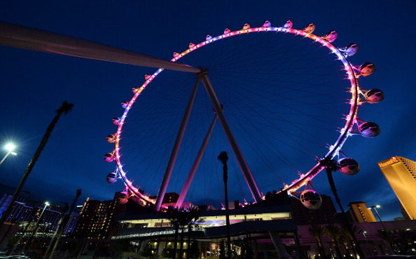 Ferris Wheel「The Las Vegas High Roller Observation Wheel At The LINQ Prepares To Open」:写真・画像(10)[壁紙.com]