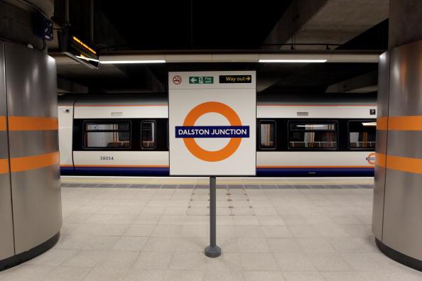 Link - Chain Part「Boris Johnson Opens The New East London Line Railway Service」:写真・画像(7)[壁紙.com]