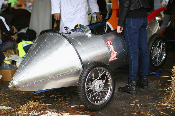 General View「Drivers Compete In Home Made Carts For The 2015 Red Bull Billy Cart Race」:写真・画像(13)[壁紙.com]
