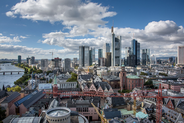 Frankfurt - Main「European Banks Struggle As Profits Slump And Job Cuts Rise」:写真・画像(13)[壁紙.com]