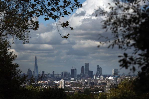 Urban Skyline「London's Economic Boom Continues」:写真・画像(3)[壁紙.com]