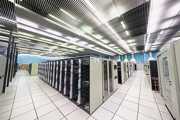 Data Center「Behind The Scenes At CERN The World's Largest Particle Physics Laboratory」:写真・画像(16)[壁紙.com]