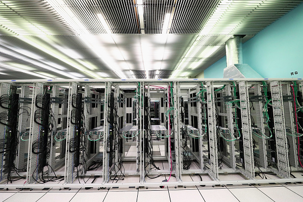 Data Center「Behind The Scenes At CERN The World's Largest Particle Physics Laboratory」:写真・画像(18)[壁紙.com]
