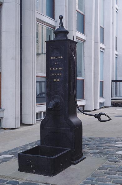 Single Object「St Faiths Parish Pump」:写真・画像(17)[壁紙.com]