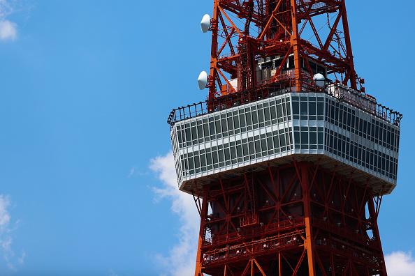 Tokyo Tower「Blue Impulse Aerobatics Team Pays Tribute To Covid-19 Frontline Workers In Tokyo」:写真・画像(19)[壁紙.com]