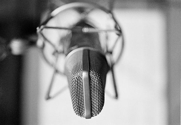 Microphone「Studio Microphone」:写真・画像(1)[壁紙.com]