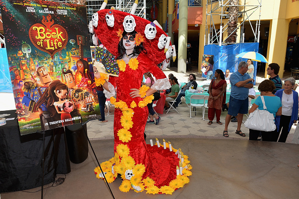 Gustavo Caballero「The Book Of Life Halloween Carnival At Dolphin Mall In Miami」:写真・画像(19)[壁紙.com]