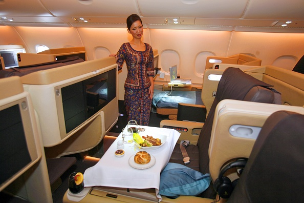 Airbus A380「First Airbus A380 Enters Commercial Service」:写真・画像(18)[壁紙.com]