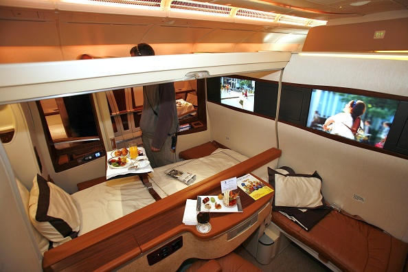 Airbus A380「First Airbus A380 Enters Commercial Service」:写真・画像(19)[壁紙.com]