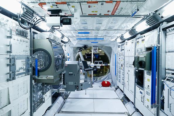 International Space Station「Teams Of Scientists Work Behind The Scenes At The European Space Agency」:写真・画像(1)[壁紙.com]