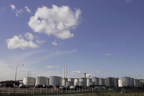 Silicon「Supermarket Fuel Contamination Scare Continues」:写真・画像(2)[壁紙.com]