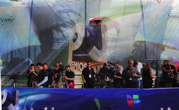 Suave「Suave Professionals se Une a Blanca Soto para los Premios Juventud」:写真・画像(9)[壁紙.com]