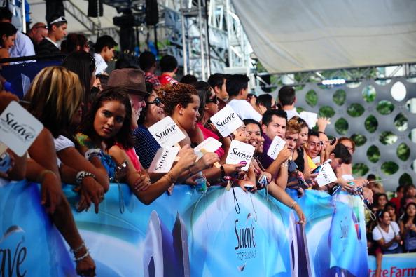 Suave「Suave Professionals se Une a Blanca Soto para los Premios Juventud」:写真・画像(5)[壁紙.com]