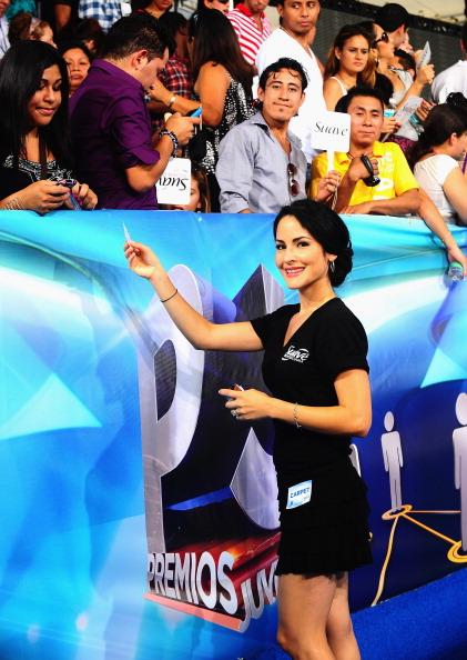 Suave「Suave Professionals se Une a Blanca Soto para los Premios Juventud」:写真・画像(11)[壁紙.com]