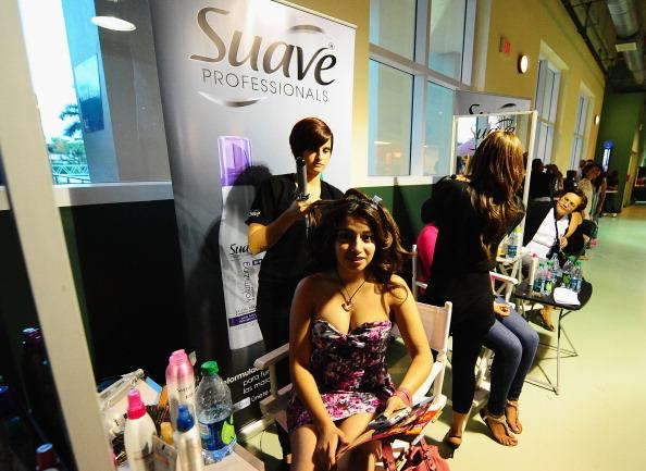 Suave「Suave Professionals se Une a Blanca Soto para los Premios Juventud」:写真・画像(2)[壁紙.com]