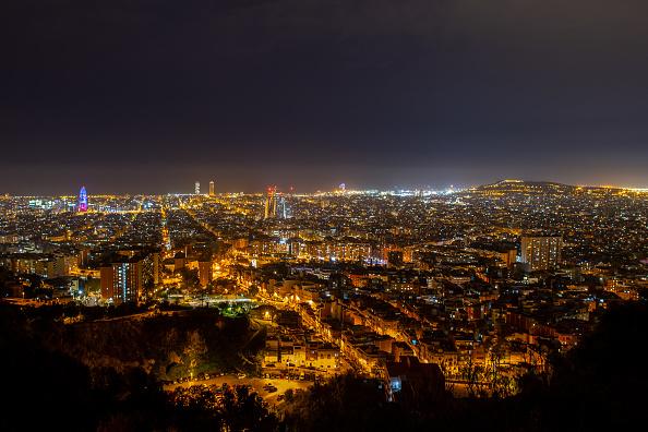 風景「Dusk Over Barcelona Amidst The Coronavirus Pandemic」:写真・画像(11)[壁紙.com]
