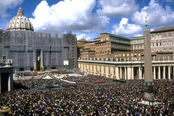 Religious Mass「Pope John Paul II Celebrates Easter」:写真・画像(15)[壁紙.com]