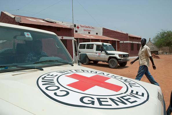 Tom Stoddart Archive「Red Cross Compound In South Sudan」:写真・画像(2)[壁紙.com]