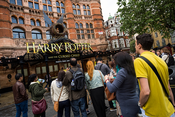 J.K「New Harry Potter Play Previews To A Thrilled Audience」:写真・画像(16)[壁紙.com]