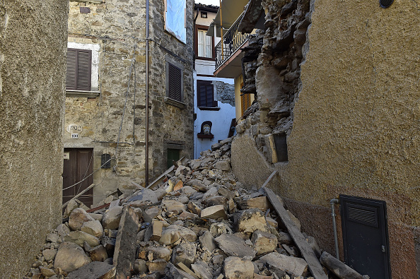 Italy「6.6 Magnitude Earthquake Strikes Central Italy」:写真・画像(9)[壁紙.com]
