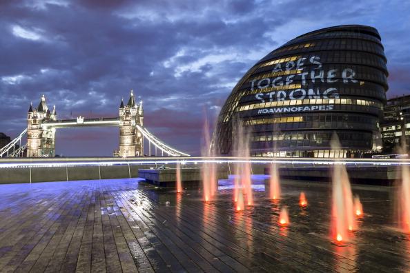 都市景観「Guerilla Style Projection At London City Hall Marks The Release Of 'Planet Of The Apes'」:写真・画像(19)[壁紙.com]
