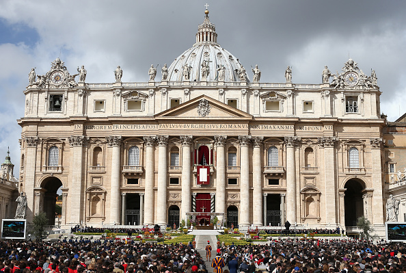 Vatican「Pope Francis Attends Easter Mass and Urbi Et Orbi Blessing in St. Peter's Square」:写真・画像(5)[壁紙.com]